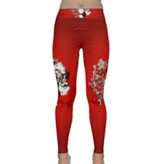 Funny Santa Claus  On Red Background Classic Yoga Leggings