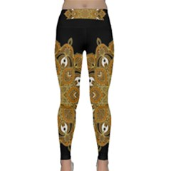 Ornate mandala Classic Yoga Leggings