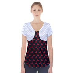 Alice Blue Quatrefoil in an English Country Garden Short Sleeve Front Detail Top