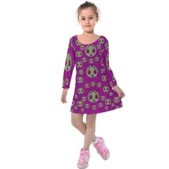 Ladybug In The Forest Of Fantasy Kids  Long Sleeve Velvet Dress