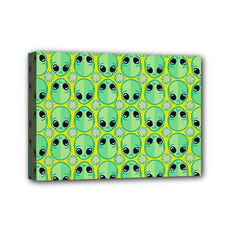 Alien Pattern Mini Canvas 7  x 5