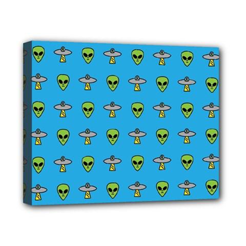 Alien Pattern Canvas 10  x 8
