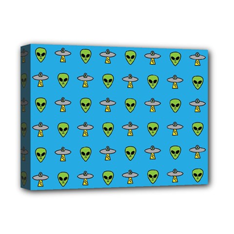 Alien Pattern Deluxe Canvas 16  x 12