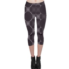 Abstract Seamless Pattern Background Capri Leggings