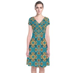 Vintage Pattern Unique Elegant Short Sleeve Front Wrap Dress
