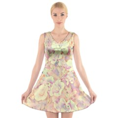 Lovely Floral 36b V-Neck Sleeveless Skater Dress