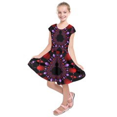Fractal Red Violet Symmetric Spheres On Black Kids  Short Sleeve Dress