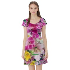 Colorful Flowers Patterns Short Sleeve Skater Dress