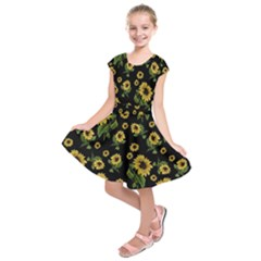 Sunflowers Pattern Kids  Short Sleeve Dress