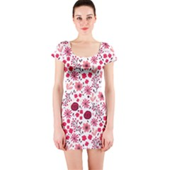 Red Floral Seamless Pattern Short Sleeve Bodycon Dress