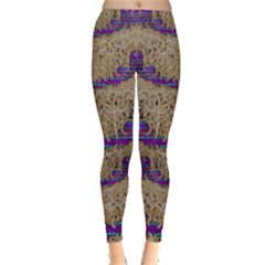 Pearl Lace And Smiles In Peacock Style Leggings