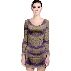 Pearl Lace And Smiles In Peacock Style Long Sleeve Bodycon Dress