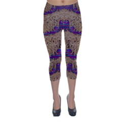 Pearl Lace And Smiles In Peacock Style Capri Winter Leggings