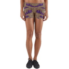 Pearl Lace And Smiles In Peacock Style Yoga Shorts
