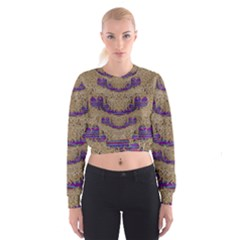 Pearl Lace And Smiles In Peacock Style Cropped Sweatshirt