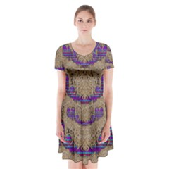 Pearl Lace And Smiles In Peacock Style Short Sleeve V Neck Flare Dress