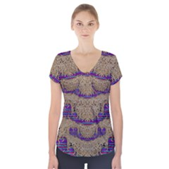 Pearl Lace And Smiles In Peacock Style Short Sleeve Front Detail Top