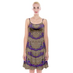 Pearl Lace And Smiles In Peacock Style Spaghetti Strap Velvet Dress