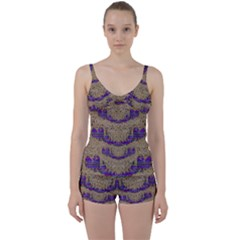 Pearl Lace And Smiles In Peacock Style Tie Front Two Piece Tankini