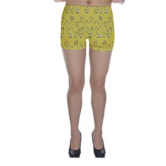Chicken Chick Pattern Wallpaper Skinny Shorts