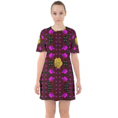Roses In The Air For Happy Feelings Mini Dress