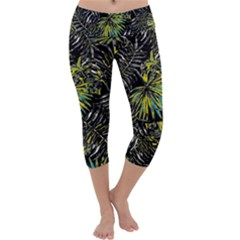 Tropical Pattern Capri Yoga Leggings