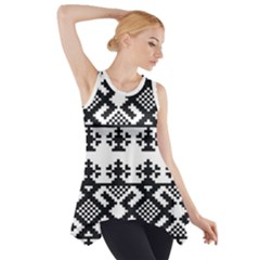 Model Traditional Draperie Line Black White Triangle Side Drop Tank Tunic