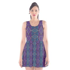 Retro Vintage Bleeding Hearts Pattern Scoop Neck Skater Dress