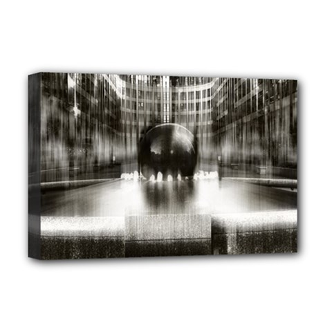 Black And White Hdr Spreebogen Deluxe Canvas 18  X 12