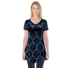 Tile1 Black Marble & Deep Blue Water Short Sleeve Tunic