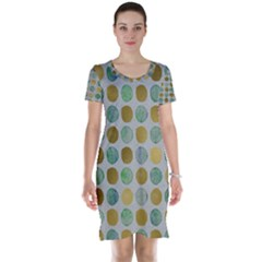 Green And Golden Dots Pattern                            Short Sleeve Nightdress
