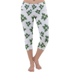 Nature Motif Pattern Design Capri Yoga Leggings