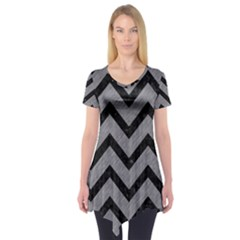 Chevron9 Black Marble & Gray Colored Pencil (r) Short Sleeve Tunic