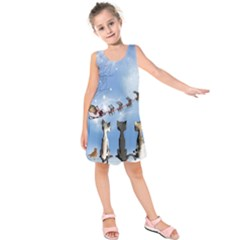 Christmas, Cute Cats Looking In The Sky To Santa Claus Kids  Sleeveless Dress