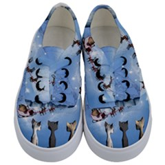 Christmas, Cute Cats Looking In The Sky To Santa Claus Kids  Classic Low Top Sneakers
