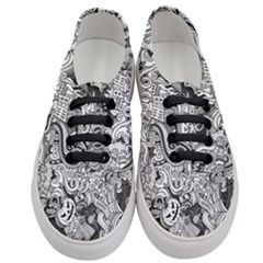 Halloween Pattern Women s Classic Low Top Sneakers