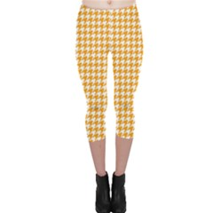 Friendly Houndstooth Pattern, Orange Capri Leggings