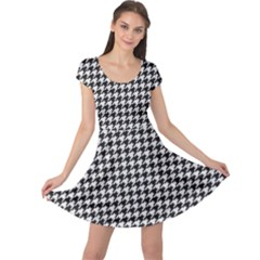 Friendly Houndstooth Pattern,black And White Cap Sleeve Dress