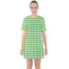 Friendly Houndstooth Pattern,green Sixties Short Sleeve Mini Dress