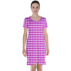 Friendly Houndstooth Pattern,pink Short Sleeve Nightdress