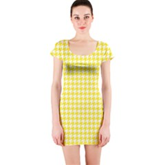 Friendly Houndstooth Pattern,yellow Short Sleeve Bodycon Dress