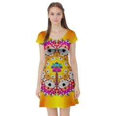Fantasy Flower In Tones Short Sleeve Skater Dress