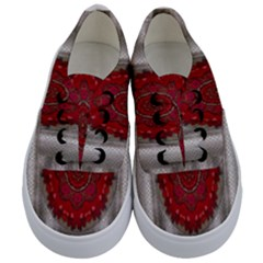 Strawberry  With Waffles And Fantasy Flowers In Harmony Kids  Classic Low Top Sneakers