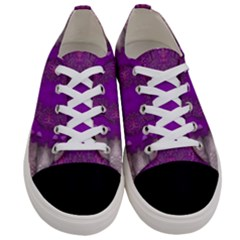 Fantasy Flowers In Harmony  In Lilac Women s Low Top Canvas Sneakers
