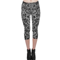 Damask2 Black Marble & Gray Metal 2 Capri Leggings
