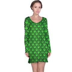 Scales2 Black Marble & Green Brushed Metal (r) Long Sleeve Nightdress
