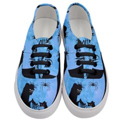 Halloween Women s Classic Low Top Sneakers