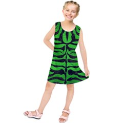Skin2 Black Marble & Green Brushed Metal (r) Kids  Tunic Dress