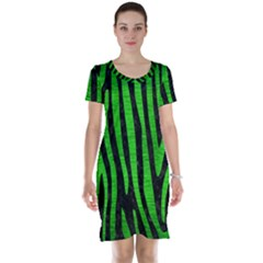 Skin4 Black Marble & Green Brushed Metal (r) Short Sleeve Nightdress