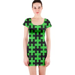 Puzzle1 Black Marble & Green Colored Pencil Short Sleeve Bodycon Dress